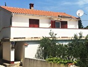 Family house of 112 m2 - Preko, Island Ugljan