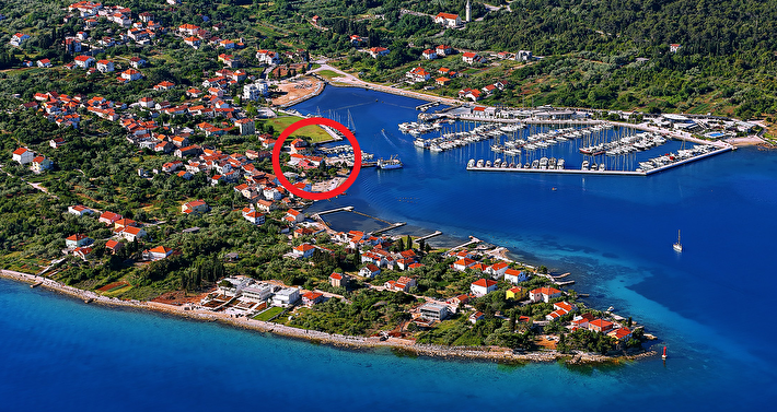 Renovated old Dalmatian row house - second row to the sea - Sutomišćica, Island Ugljan
