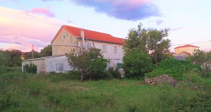 HOUSE ON THE ISLAND OF OLIB