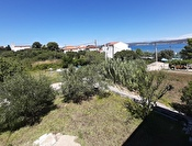 HOUSE WITH A LARGE GARDEN AND A SEA VIEW - EXCELLENT LOCATION, 50 m FROM THE SEA - MRLJANE, ISLAND OF PAŠMAN